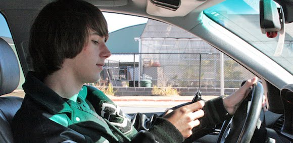 texting_driving_2008_12_11_tr-7